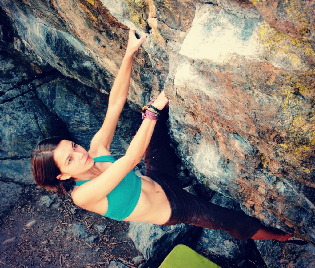 Climbing in my pocketed Swoob Fit sports bra at Rocky Mountain National Park.